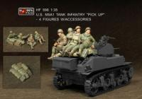 "1:35 US M5A1 Tank Infantry ""Pick Up"" - 4 Figures w/ Accessories"